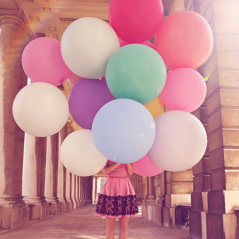 Привітання з днем народження 20 років дівчині, хлопцю в прозі, своїми словами, українською мовою